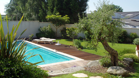 Jardin et terrasse on pinterest pools petite piscine and small pools for Amenagement piscine